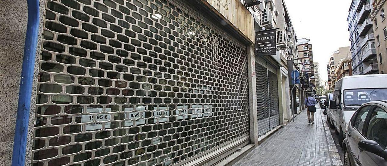 Establecimientos comerciales cerrados por el estado de alarma, en imagen de archivo.