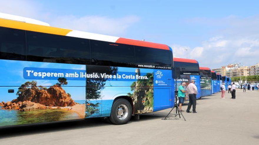 Campanya per fomentar el turisme de proximitat amb fotos icòniques de la Costa Brava als busos