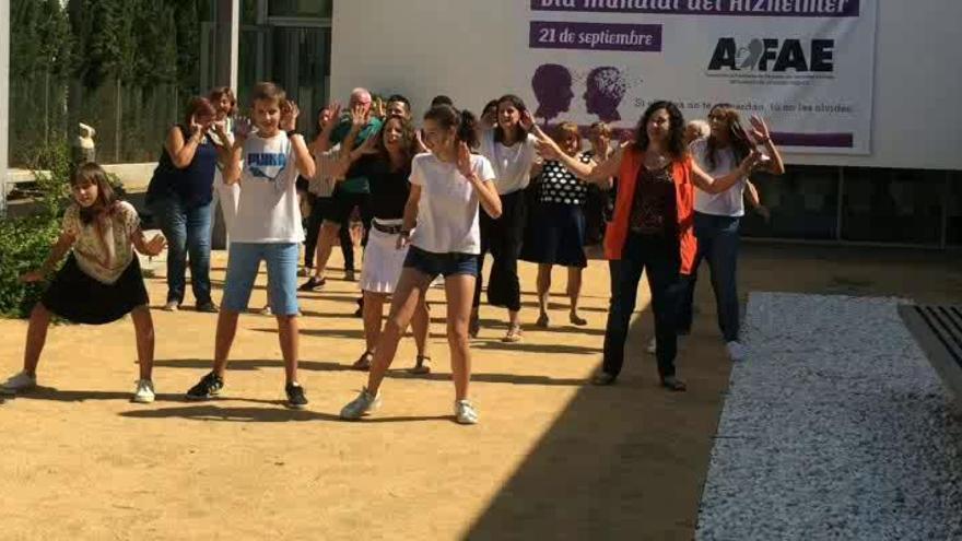 AFAE celebra el Día Mundial del Alzheimer con un flashmob y un manifiesto reivindicativo