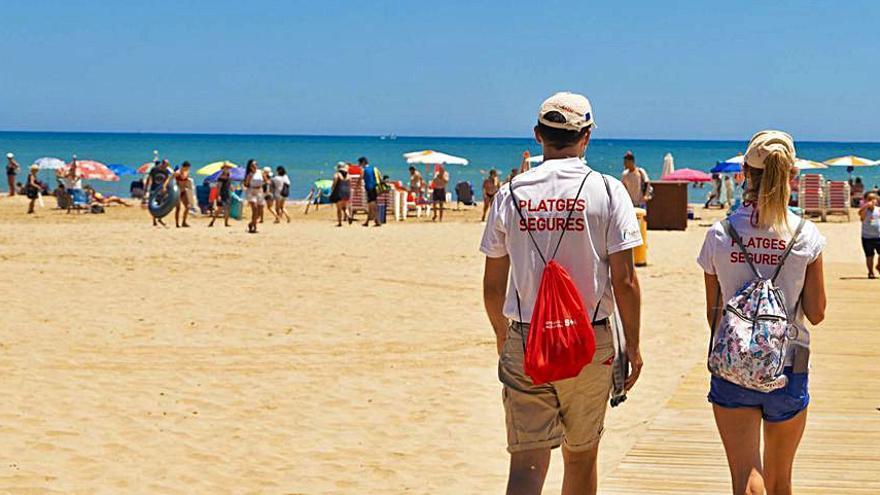 La platja de Cullera rep els 38 informadors