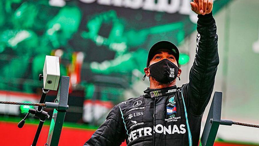 Hamilton adelanta a Schumacher