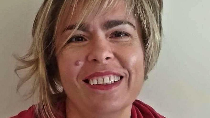"""Elena Garquin: """"Un autor no puede limitarse a un solo género, porque los gustos cambian"""""""