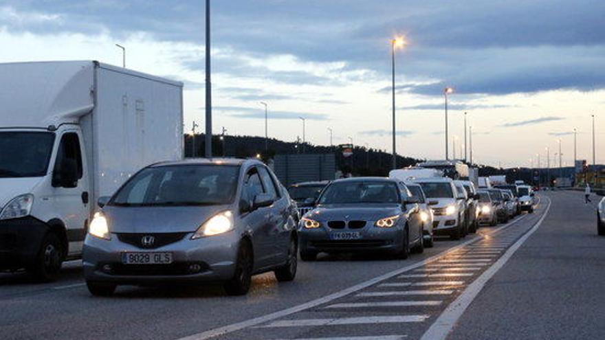 """La CEOE reclama desbloquejar """"d'immediat"""" la frontera i alerta de pèrdues diàries de 25 MEUR per a les empreses"""