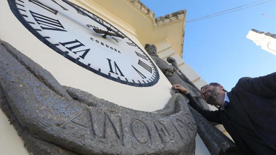 Campanadas en Córdoba: El Ayuntamiento desactivará el reloj de Las Tendillas a mediodía del 31 de diciembre para evitar aglomeraciones