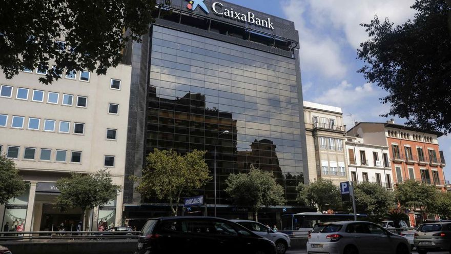 Caixabank und Bankia wollen zum größten spanischen Geldinstitut fusionieren