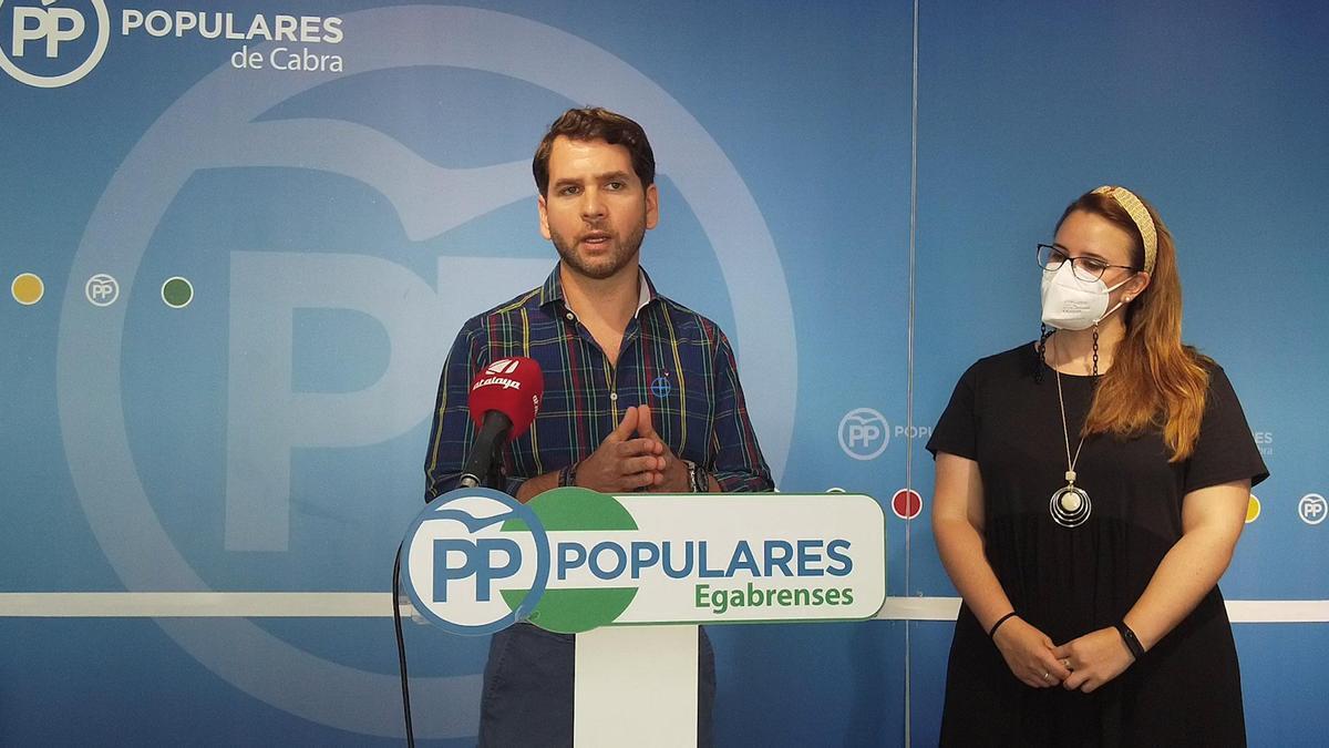Fernando Priego y Sara Alguacil, durante la rueda de prensa.