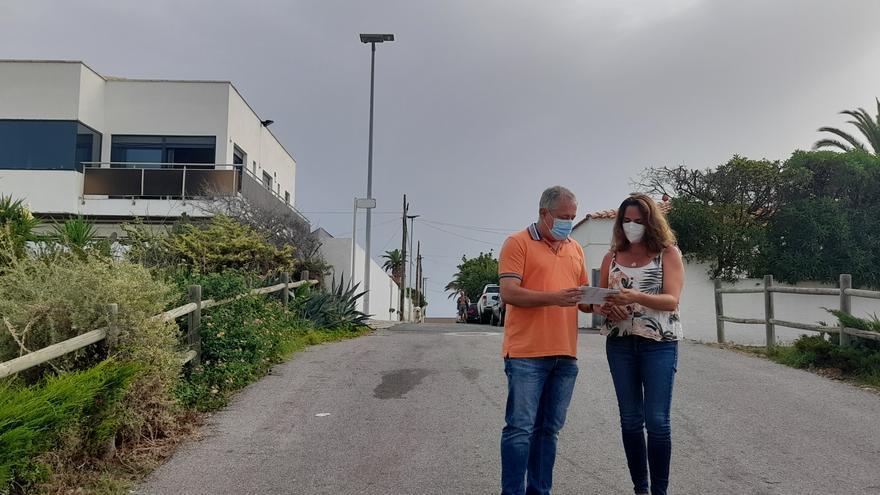 Vinaròs implanta farolas de energía solar en la costa norte