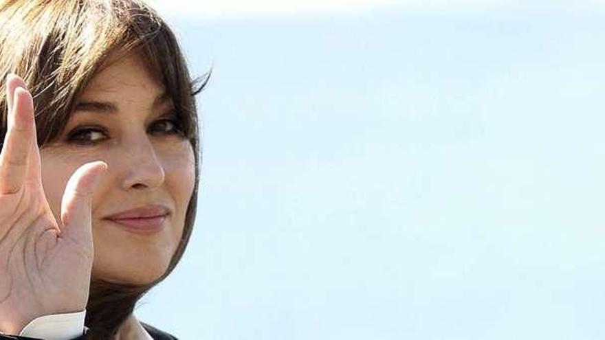 """El glamour llega al festival con la """"bellísima"""" y reivindicativa Monica Bellucci"""