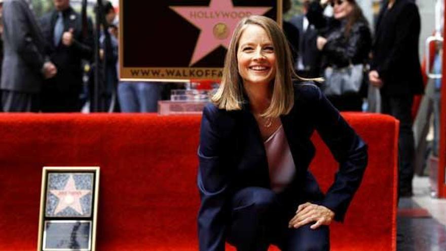 Jodie Foster desvela su estrella en el Paseo de la Fama de Hollywood
