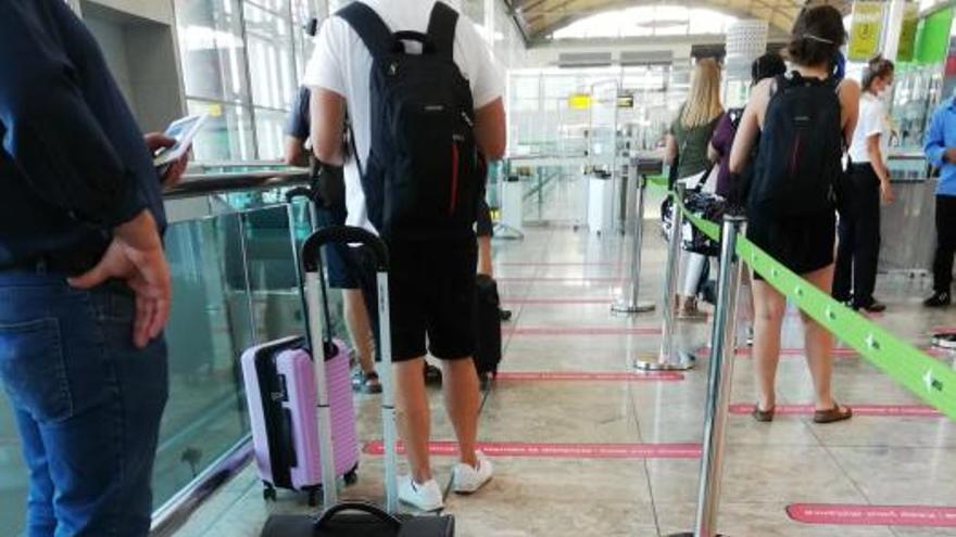 Medidas contra el covid-19 en el aeropuerto de Alicante-Elche