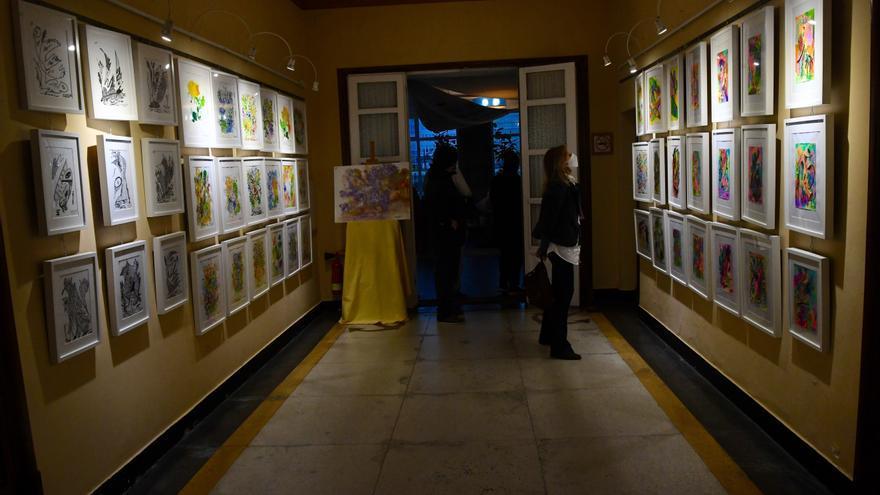 Inauguración de la exposición de Maruxa Olavide
