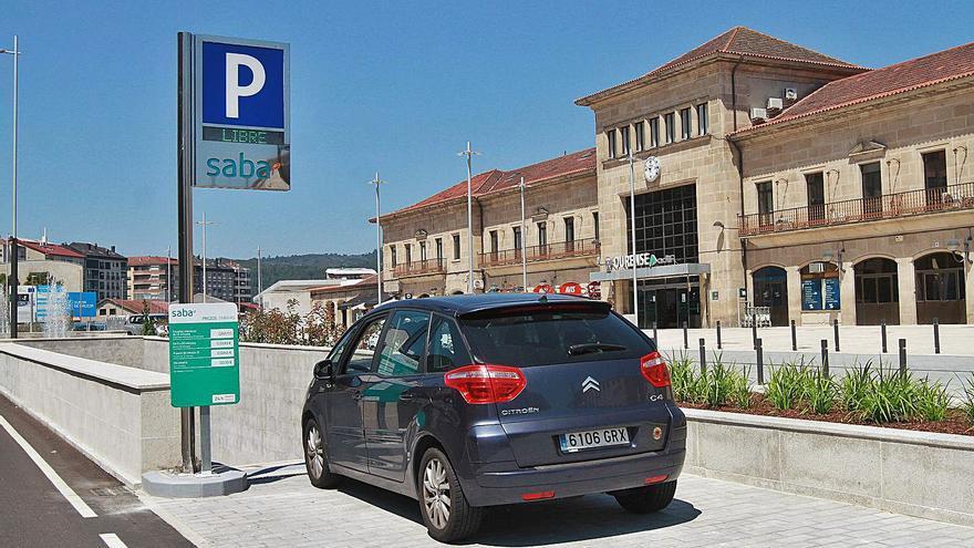 El parking de la estación llega antes que el AVE