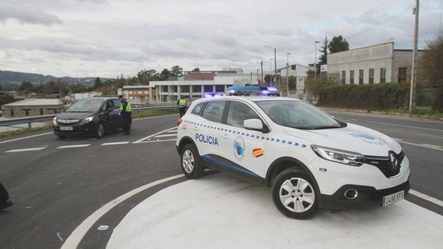 Ourense vacuna a más colectivos esenciales y espera una mayor desescalada en diez concellos