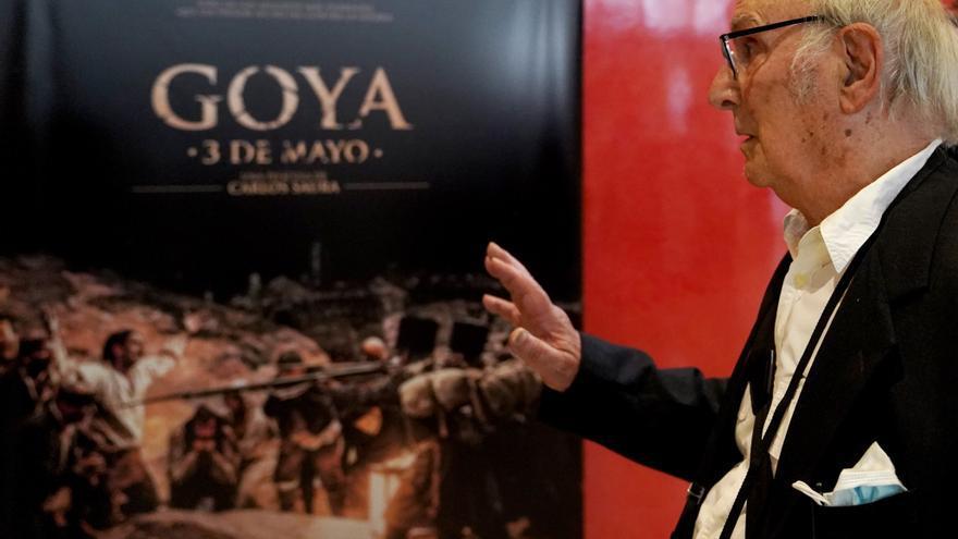 """Saura repinta 'Los fusilamientos' de Goya: """"Es un tótem sobre la guerra"""""""