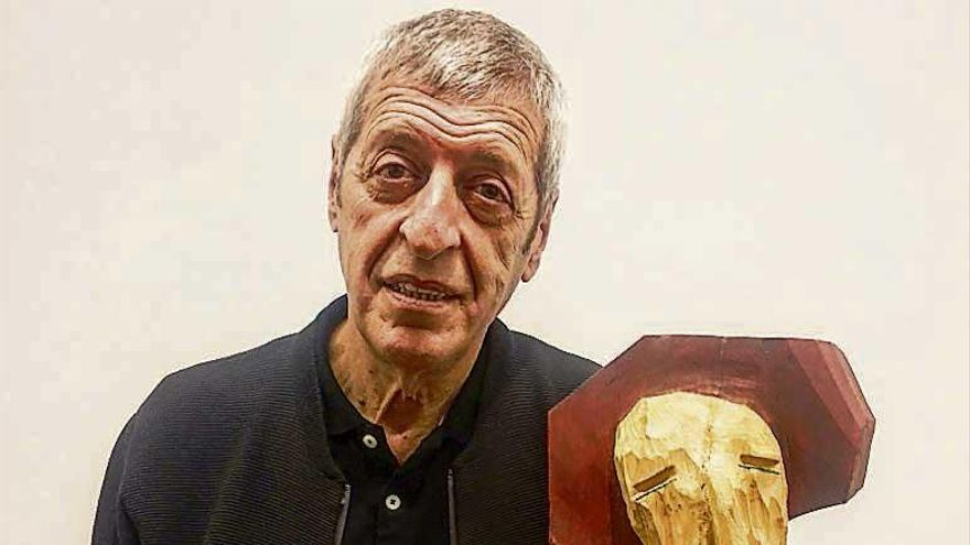 """Vinde chorados"", esculturas expresionistas de Tino Canicoba en la sala de Afundación"