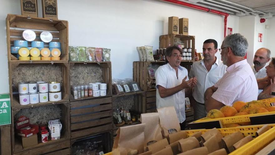 Unternehmer Franz Kraus eröffnet Fet-a-Sóller-Filiale an Palmas Rathausplatz