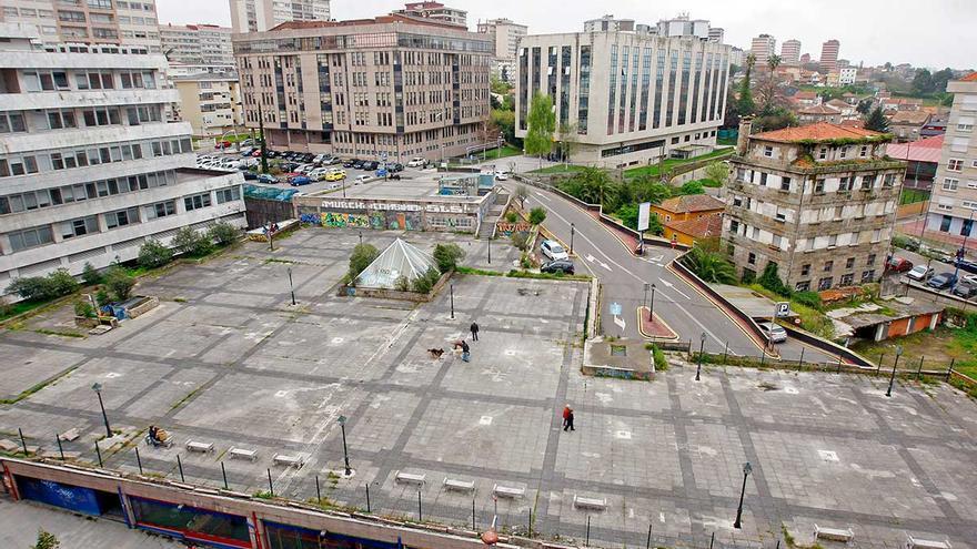 La calle Coruña tendrá un parque de ocio con tirolina, rocódromos y pista de fútbol