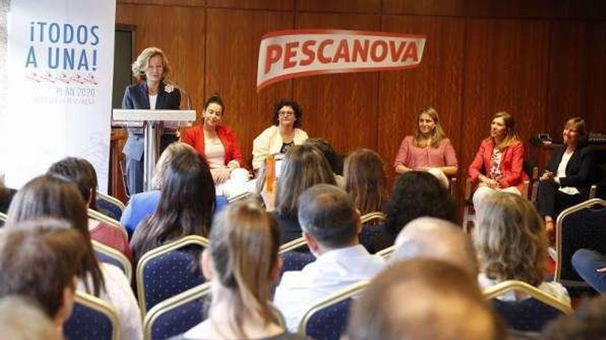 "Elena Salgado ""amadrina"" la nueva iniciativa de Pescanova por la igualdad"