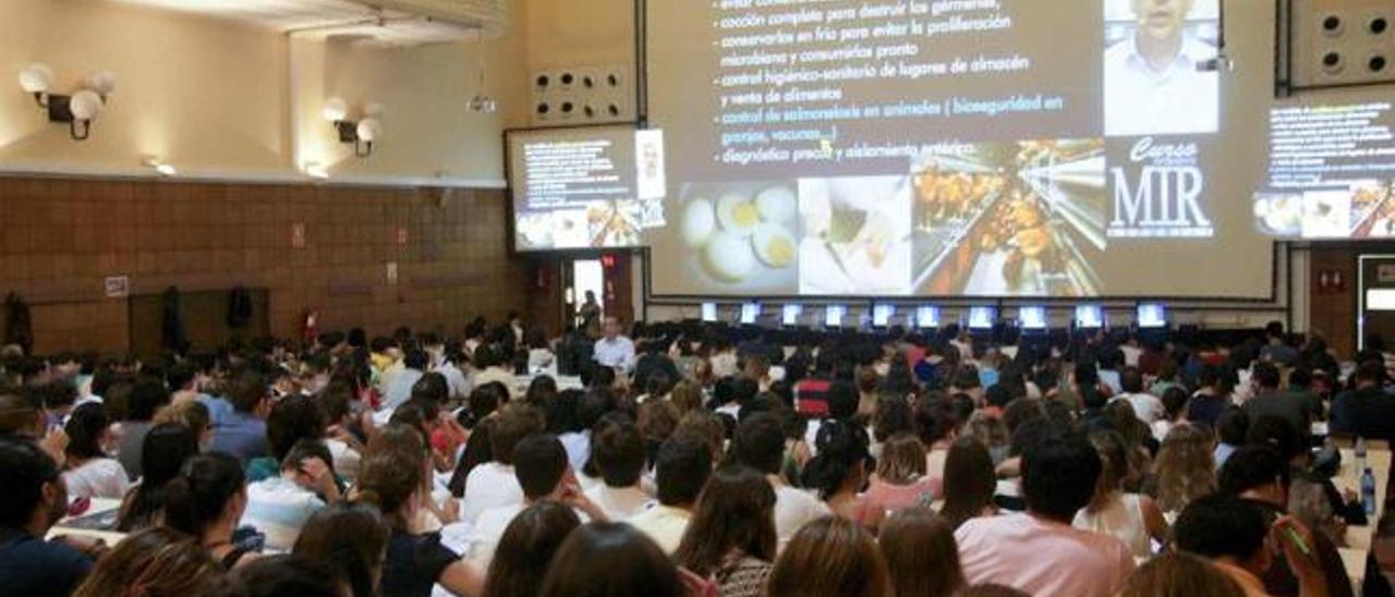 Sesión del curso MIR de Oviedo.
