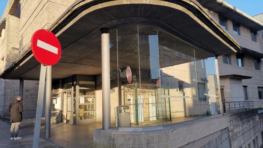 El Centro de Saúde de Cangas seguirá abierto por las tardes y el Concello mantiene la manifestación de mañana