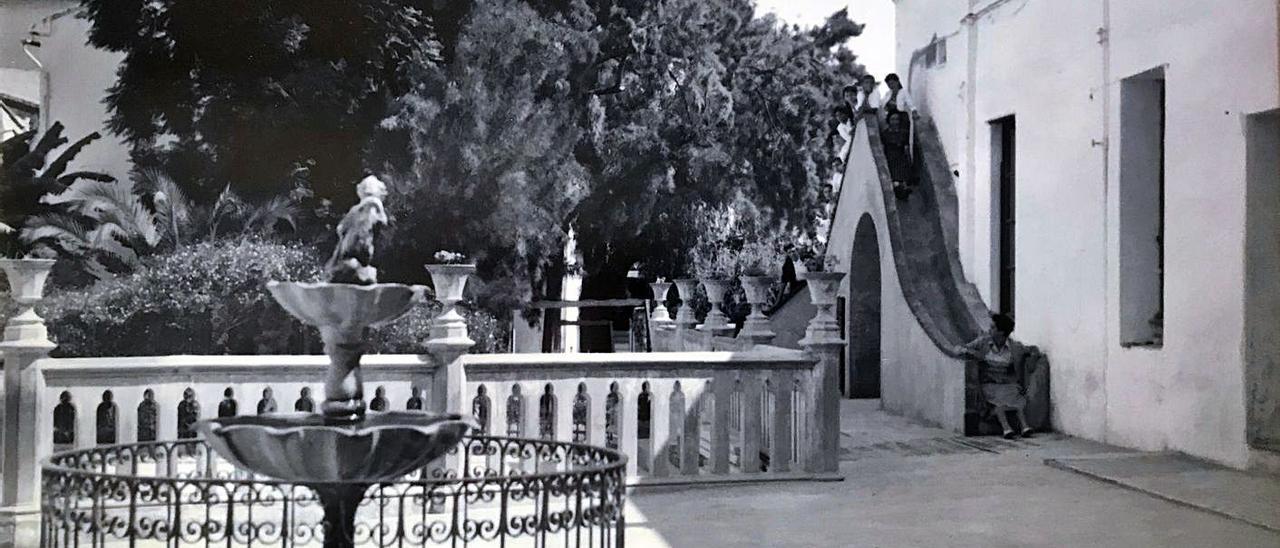 Una imagen antigua del Colegio Carmelitas de Gandia.   LEVANTE-EMV