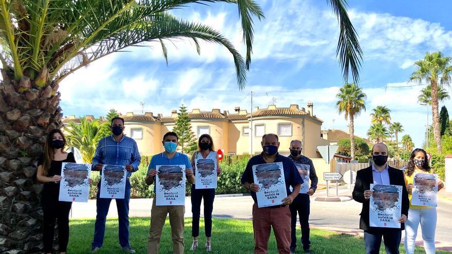 La Corporación en pleno del Ayuntamiento de Benferri conmemora el aniversario de la DANA