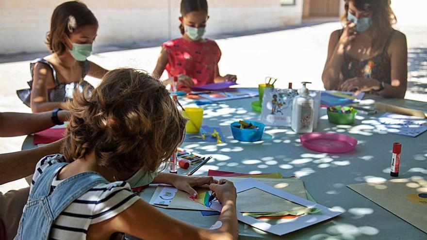 Los niños en la Miró por Sant Joan