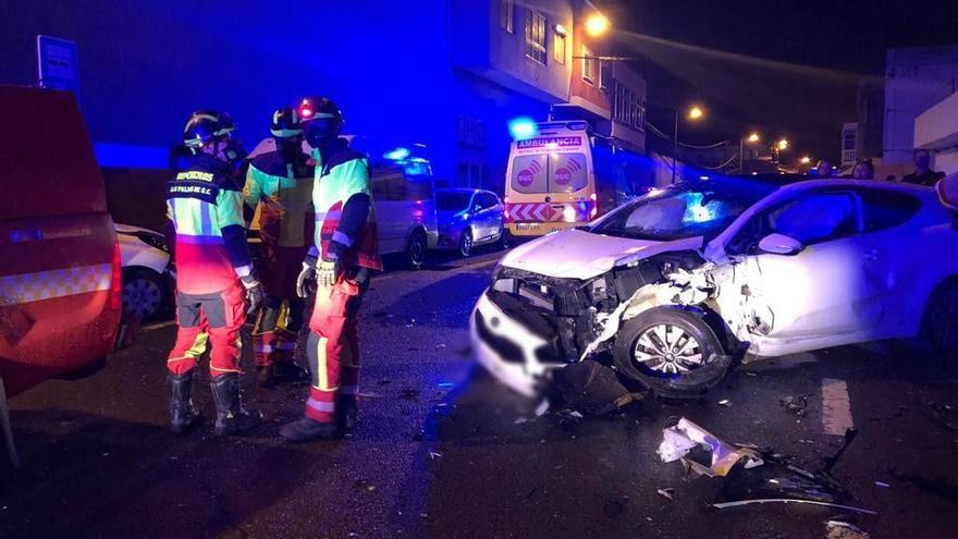 Tres heridos, uno de ellos de gravedad, en una colisión frontal en Las Palmas de Gran Canaria