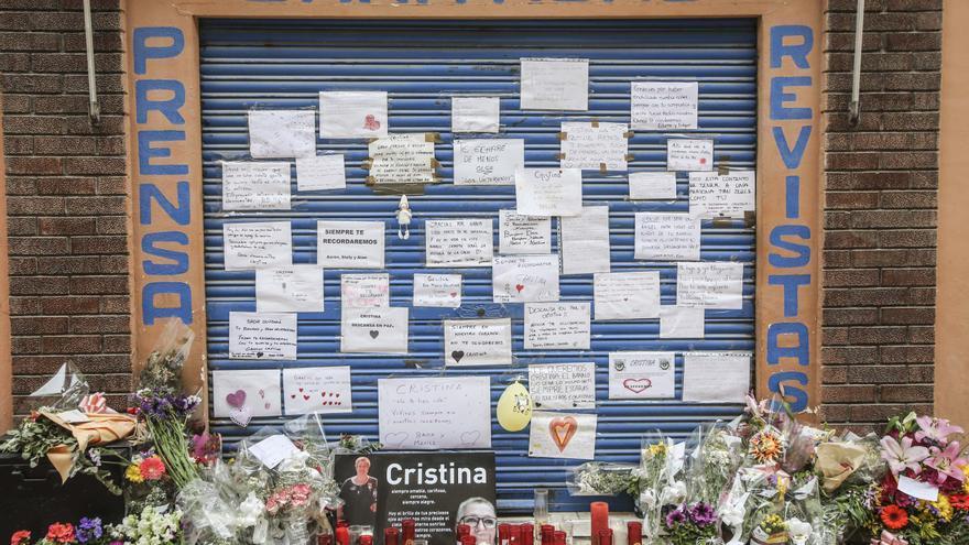 El barrio de Los Ángeles de Alicante homenajea a la quiosquera que murió de covid