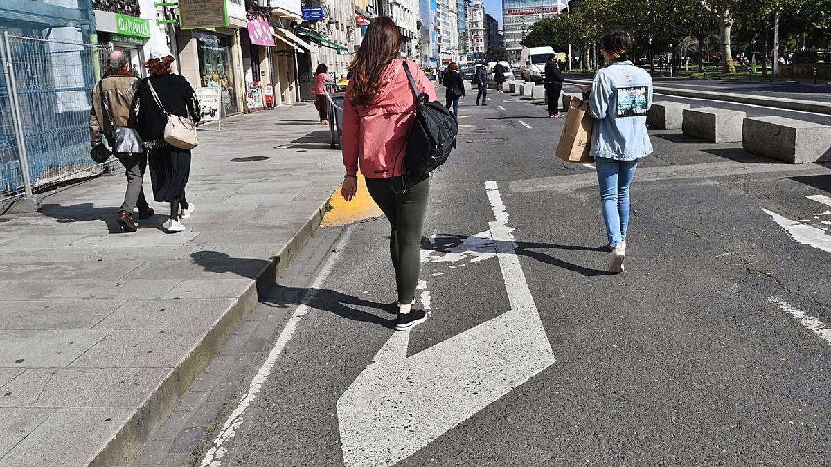 Uno de los carriles ganados para los peatones en los Cantones