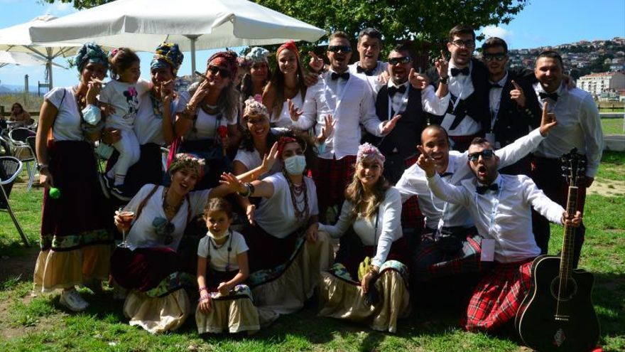Moaña revive el espíritu del carnaval para decir adiós al verano