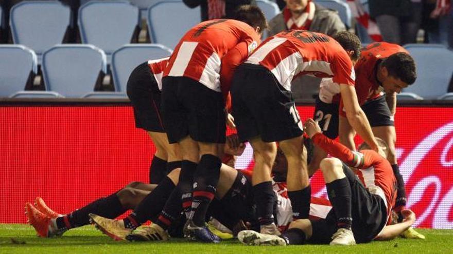 El Athletic vence al Celta para salir del descenso