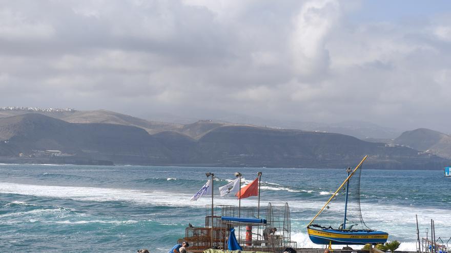 Oleaje este viernes en la zona de La Puntilla y Las Canteras
