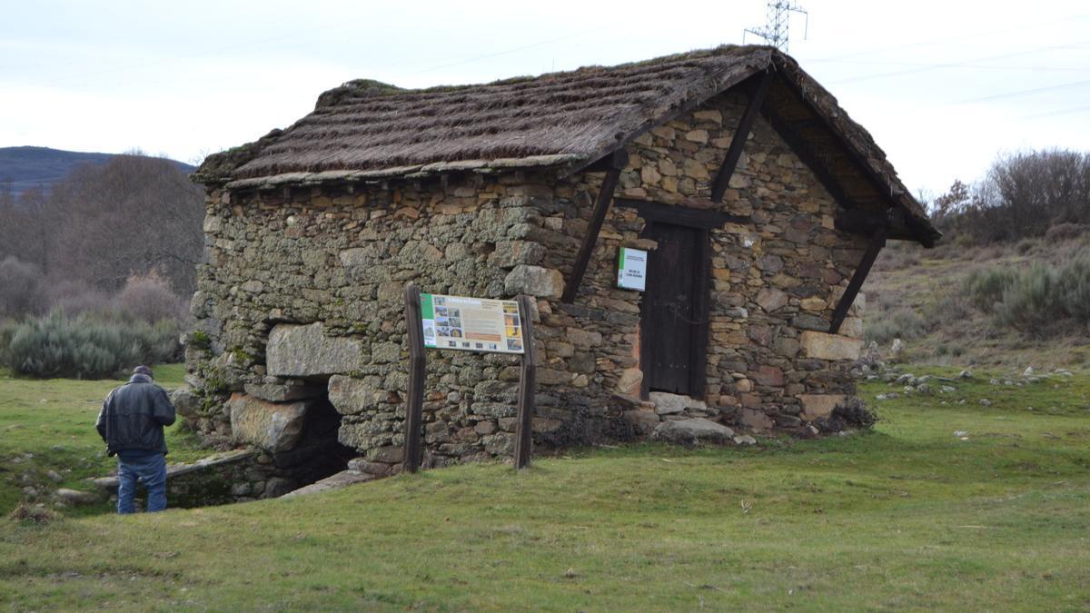 Molino en los terrenos comunales de San Miguel de Lomba