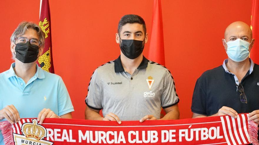 El Real Murcia renueva al central Antonio López
