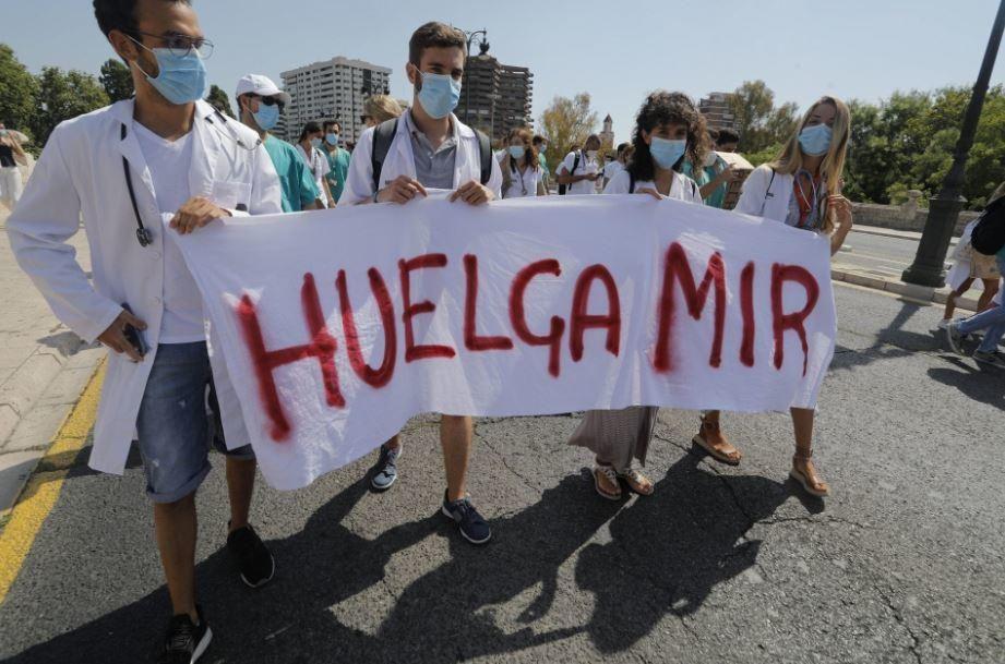 Los MIR mantienen la huelga indefinida en la Comunitat Valenciana