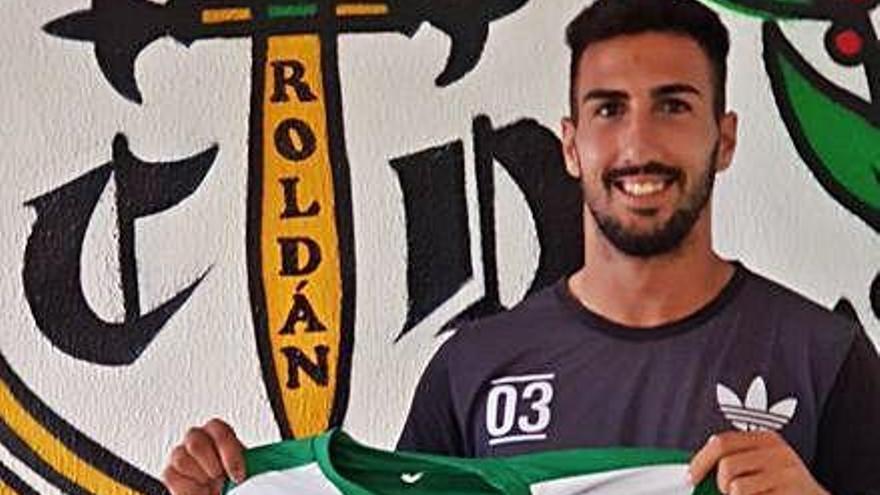 Sancionan con seis partidos a Omar Hakmi, jugador del Roldán que agredió a un rival