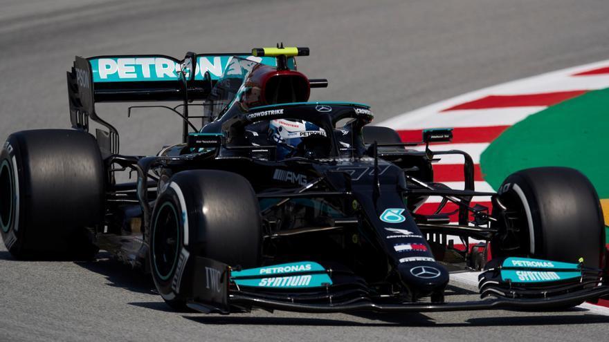 Bottas vuelve a liderar los libres con Sainz sexto y Alonso decimoquinto