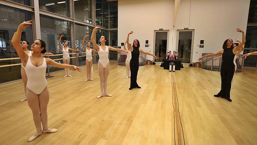 El Govern implanta los estudios profesionales de danza clásica en el Conservatorio de Ibiza