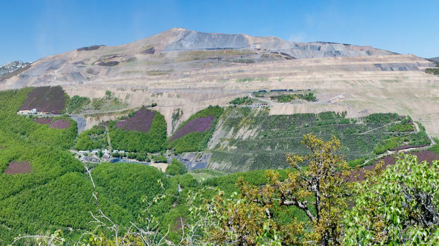 Impulsan el primer gran parque solar de Asturias en una mina de carbón de Cerredo