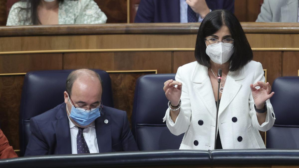 La ministra de Sanidad, Carolina Darias, en el Congreso.