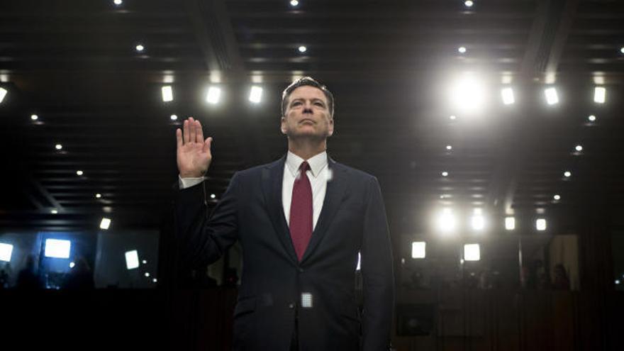 """El exdirector del FBI acusa a Trump de """"mentir"""" y difamar"""""""
