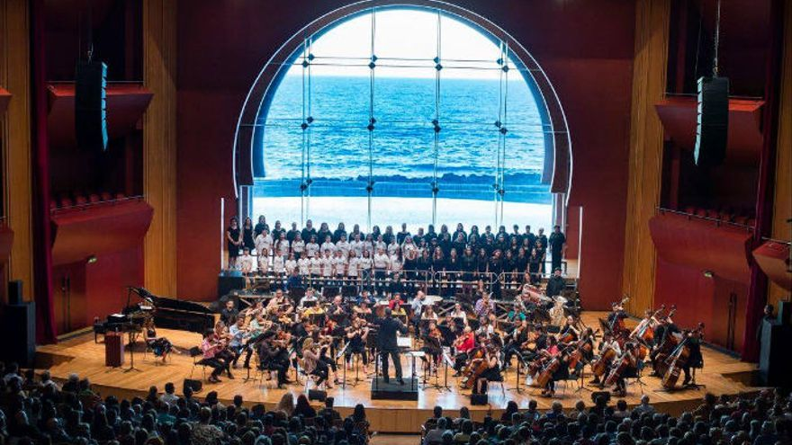 Concierto a favor de Honduras de la Orquesta Maestro Valle y Barrios Orquestados