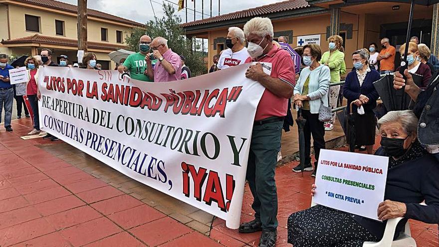 Litos va camino de las 1.000 firmas por la sanidad rural