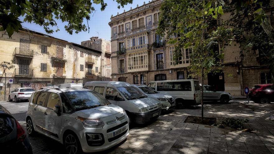Los vecinos de la plaza Quadrado pueden solicitar abonos para aparcar en el parking de la plaza Major