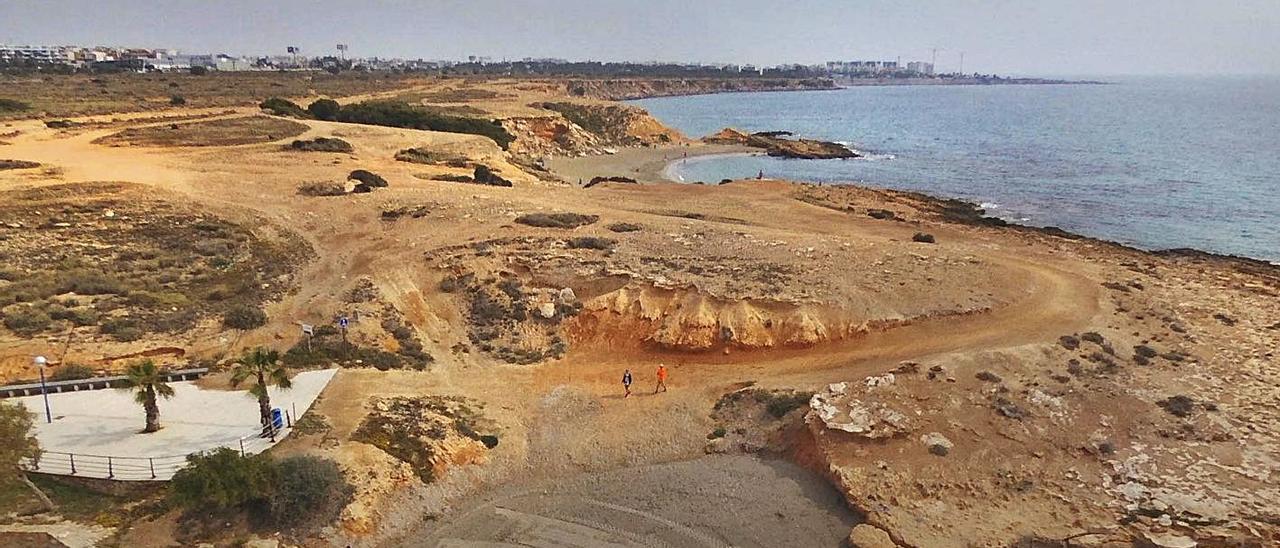 Imagen de los 400.000 metros a urbanizar en el litoral de Cala La Mosca.    TONY SEVILLA