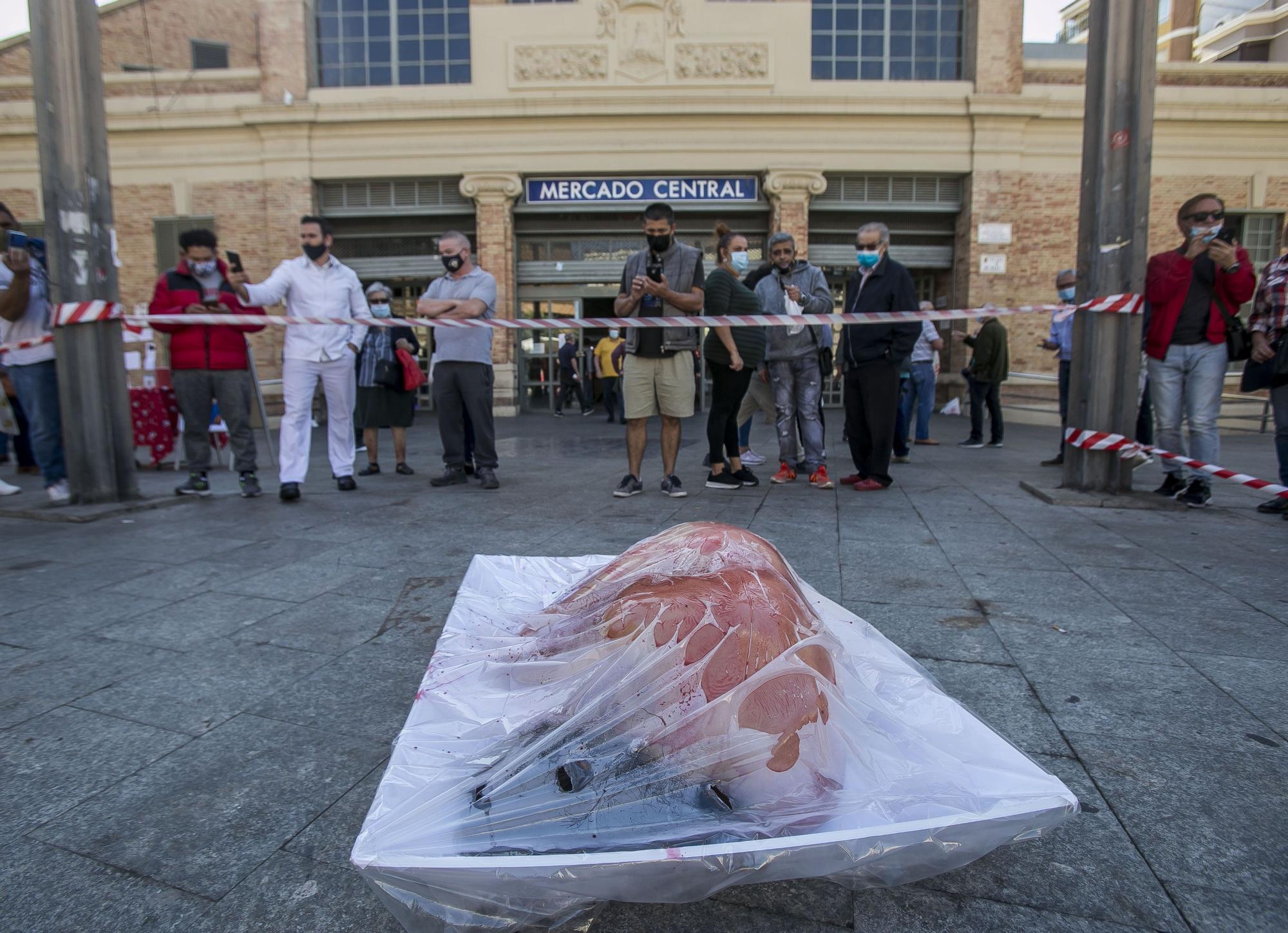 Protesta por el consumo de carne animal en Alicante