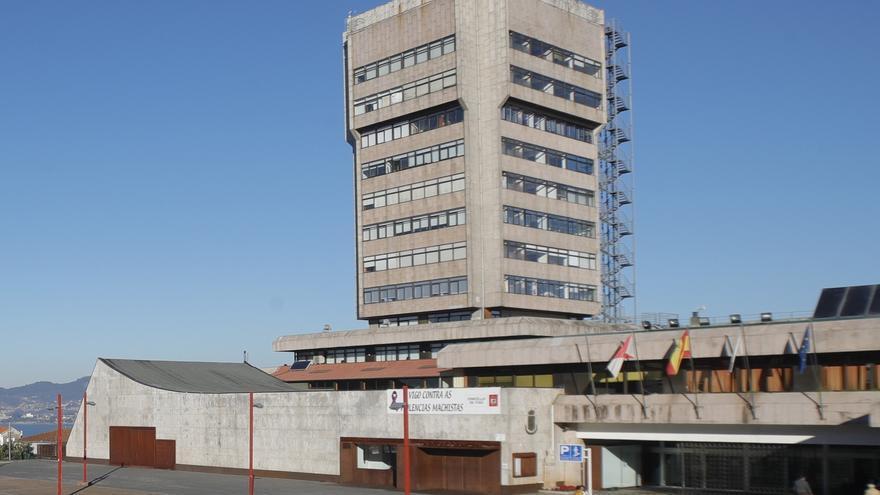 Casi 2.000 personas optan a 32 plazas públicas del Concello de Vigo