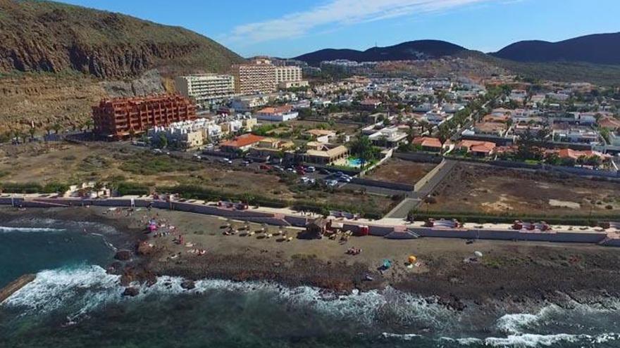 Fallece un pescador tras ser arrastrado por una ola en Tenerife