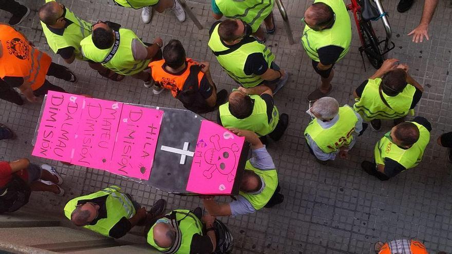 Streikende Busfahrer blockieren Verkehr auf Palmas Innenstadtring